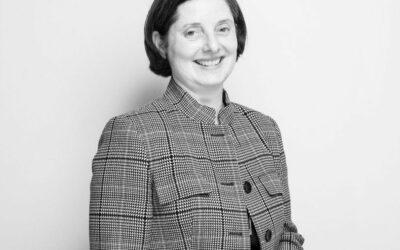 Véronique Joly-Corbin |Dessinatrice à la plume sur porcelaine