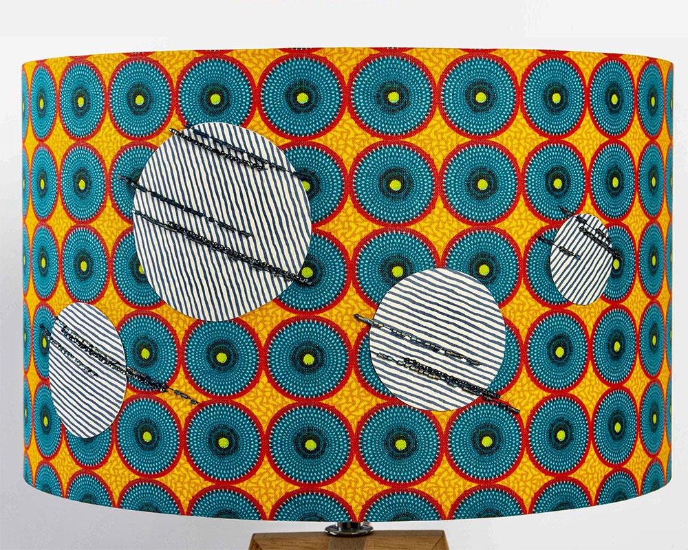 Discordance - Luminaire d'art brodé de l'Atelier magueritte