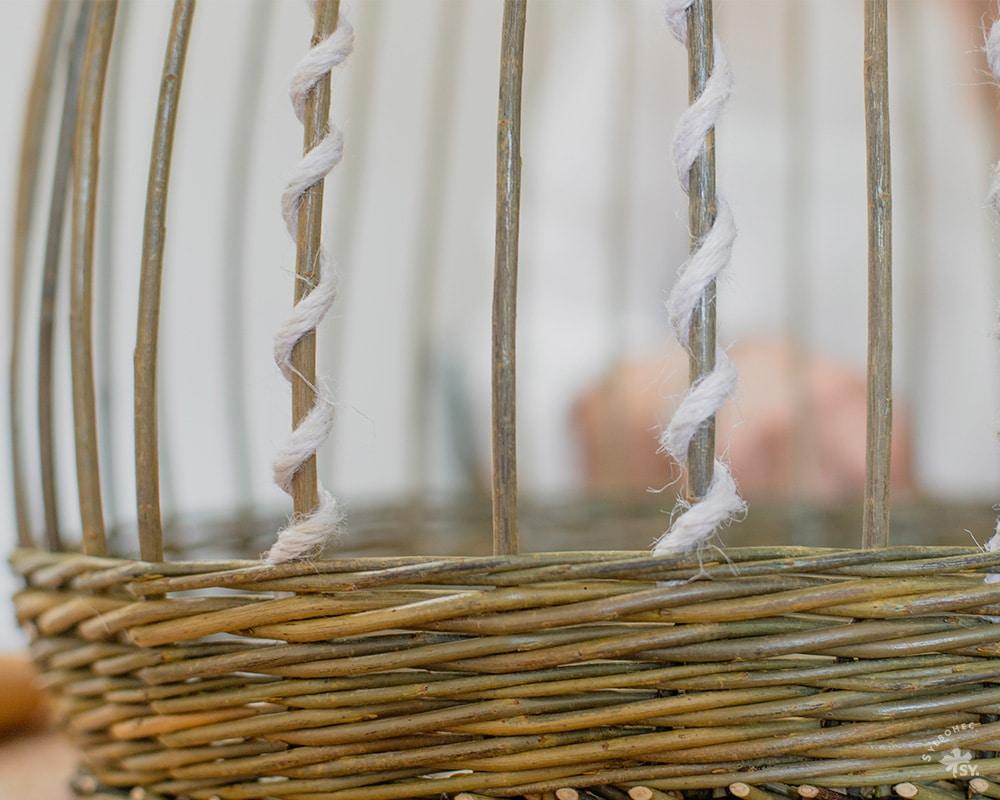 Fabrication du panier en osier La Ptite Robe Légère réalisé par Saulée Vannerie - Pascale Germain Artisan vannier en Ile de France