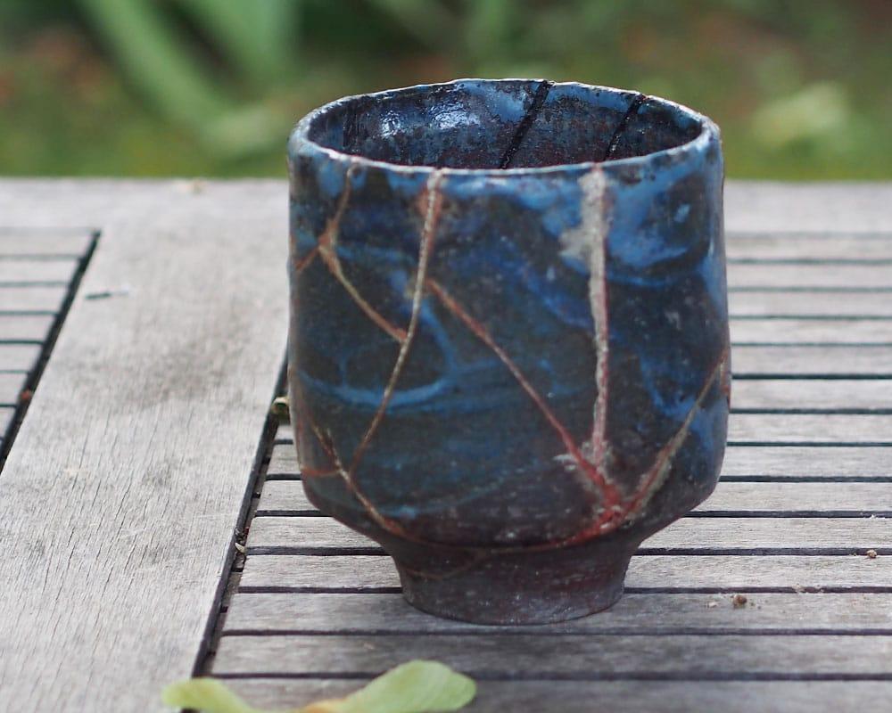 """Pot bleu """"Chawan"""" en grès de l'Atelier du Curieux"""