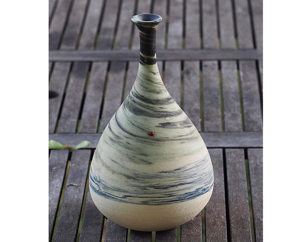 """Vase en grès """"Goutte"""" de l'Atelier du Curieux"""