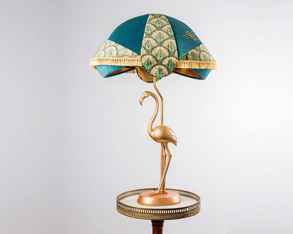 «Peacock» est un abat-jour de forme victorien inspiré des années 20