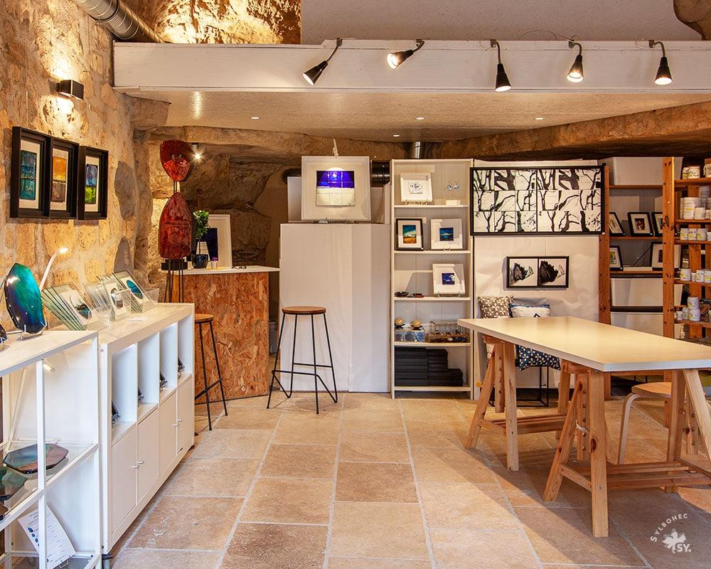 Atelier de l'émailleur d'art Anne de La Forge