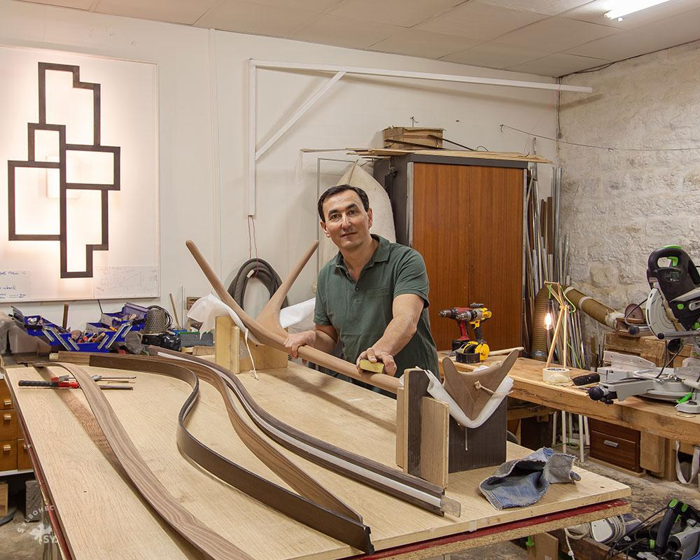 Atelier du Designer Ébéniste de luminaire Christophe Dabi à Paris