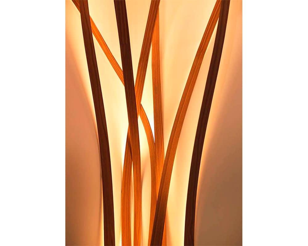 Luminaire ARBRE en bois massif cintré de Christophe Dabi