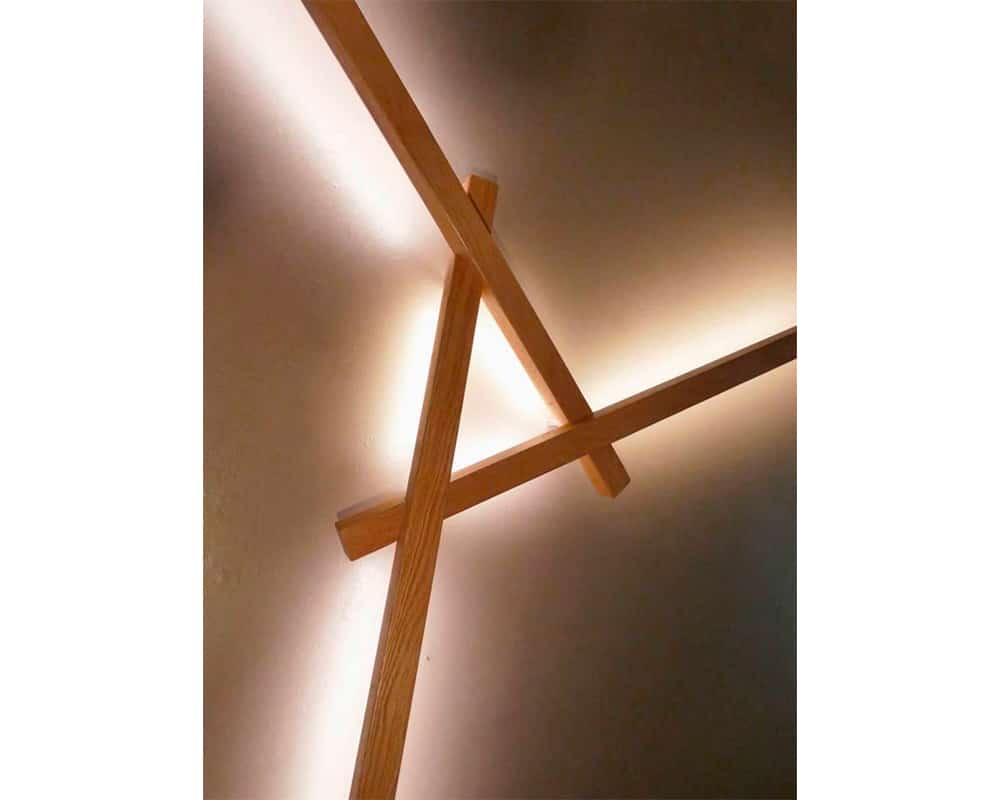 Luminaire MIKADO en chêne massif de Christophe Dabi