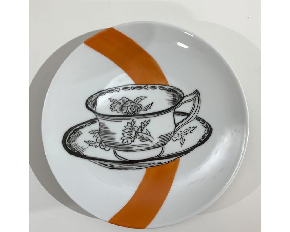 """Composition murale """"Histoire au mur - Table"""" - Tasse de thé en porcelaine"""