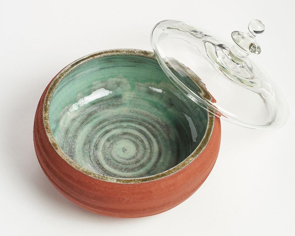 """Boîte """"11"""" céramique et couvercle de verre de By Manet"""
