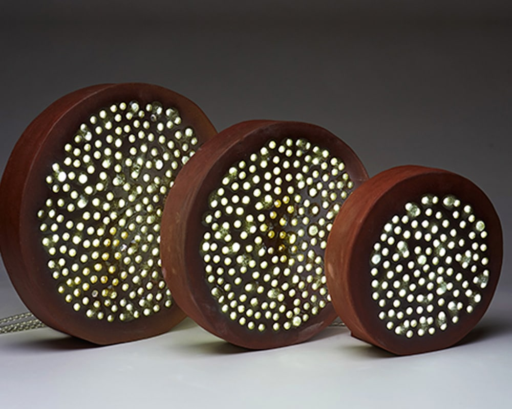 """Lampe """"Alune"""" de la Collection Confluence par la céramiste By Manet"""
