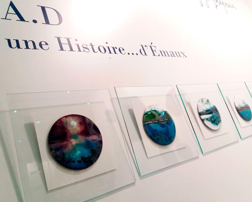 Collection des disques d'art en émail Hublots d'Anne De La Forge