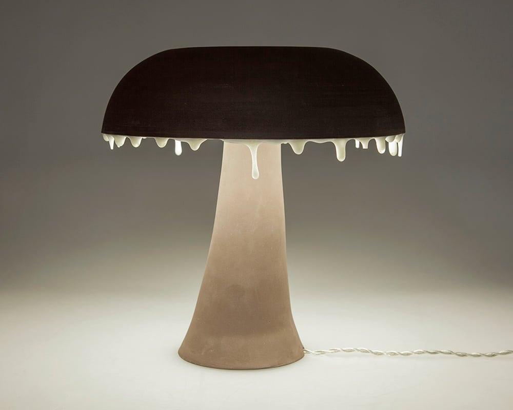 """Lampe anneau LED """"Fluide"""" de la Collection Confluence par la céramiste By Manet"""