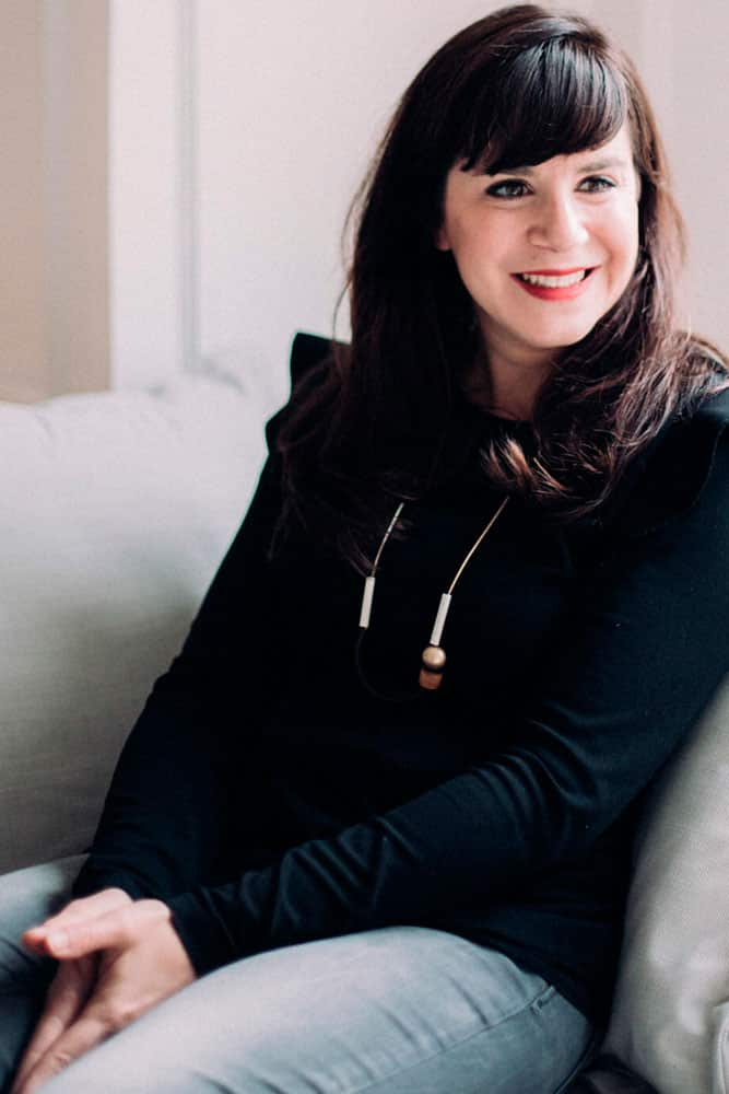 Julia Gruber - Ennoblisseuse Textile et Brodeuse d'art - Paris